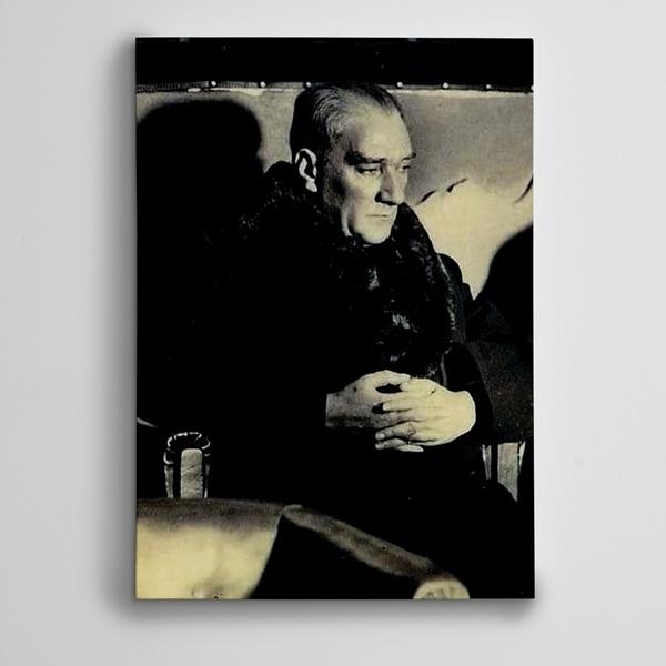 Atatürk Siyah Beyaz 7 Kanvas Tablo