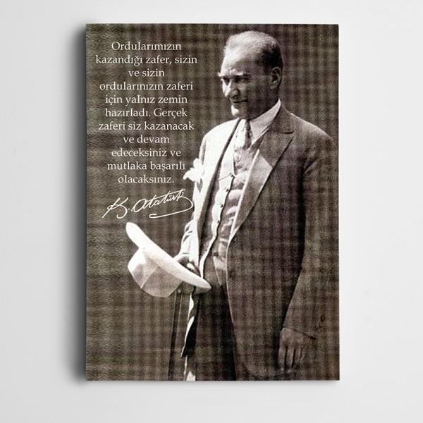 Atatürk Gerçek Zafer Öğretimle Olur Kanvas Tablo