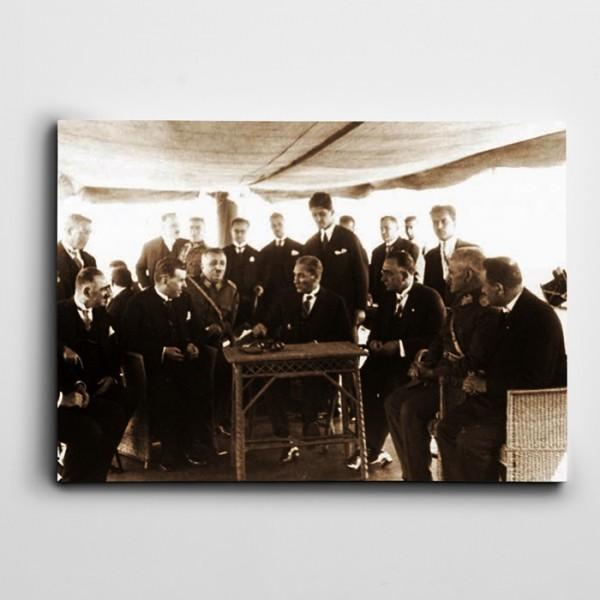 Atatürk İstanbul'da Kanvas Tablo