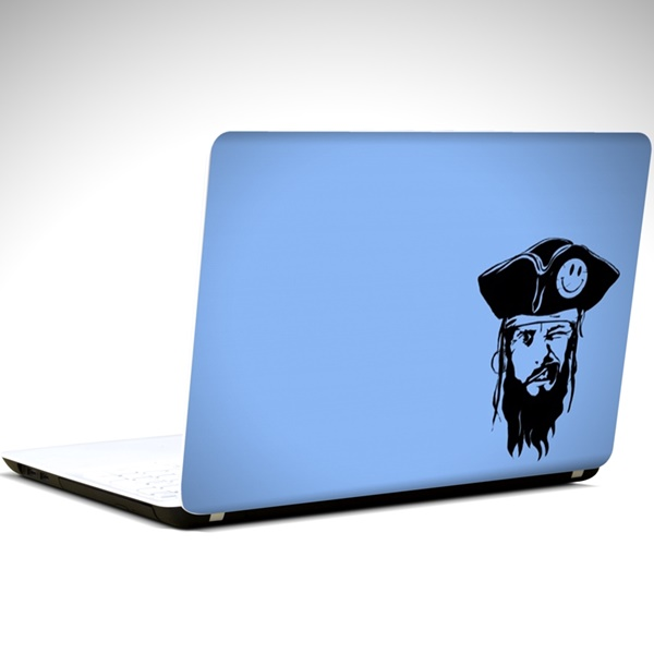 korsan-laptop-sticker