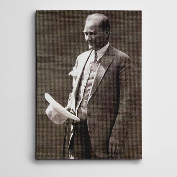 Atatürk Beyaz Şapka Kanvas Tablo