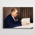 Atatürk Kitap Okurken Kanvas Tablo